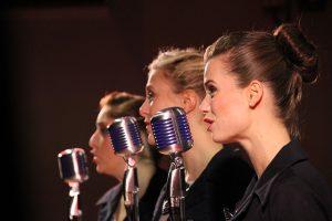 singers-843199_640